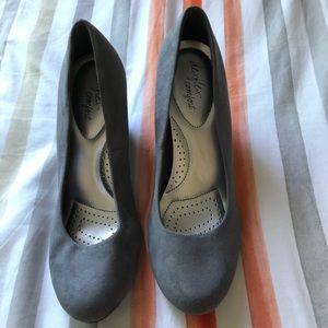 Grey suede dexflex comfort heels